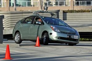 Stellen fahrerlose Autos (wie hier das Google Car) auch für das Carsharing ein Zukunftsmodell dar?
