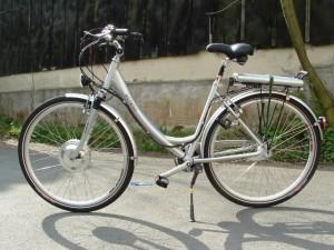 Fahrrad und E-Bike sollen gemäß des neuen nationalen Radverkehrsplans 2020 anderen Verkehrsmitteln gleichgestellt werden.