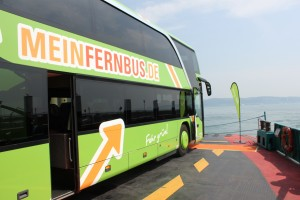 Bus auf der Fähre