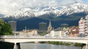 In der französischen Alpenmetropole Grenoble wird Carsharing bald mit dem Elektroauto realisiert. Als Partner wurde der japanische Automobilhersteller Toyota gewonnen.