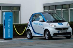 E-Carsharing bzw. Carsharing mit dem Elektroauto: Car2Go stockt seine Flotte in Stuttgart merklich auf.