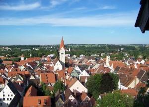 In Kaufbeuren im Allgäu hält das Carsharing Einzug. Der Oberbürgermeister durfte dabei die Jungfernfahrt unternehmen.