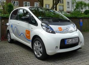Mehr Carsharing in Aachen: Cambio erweitert seine Flotte um einen neuen Elektroflitzer.