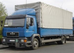 Ein Schritt in Richtung staufreie Mobilität: während der Sommerferien dürfen LKW auch samstags nicht auf die Autobahnen.