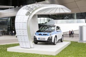 Frischer Wind für das Elektroauto. Vor der BMW-Welt in München wurden gleich zwei neue Ladestationen eingeweiht.