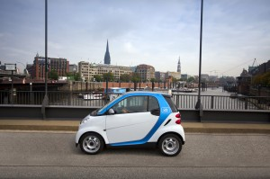 Das Carsharing in Hamburg wird erweitert: Car2Go findet sich fortan auch in Wilhelmsburg, Veddel und Harburg.