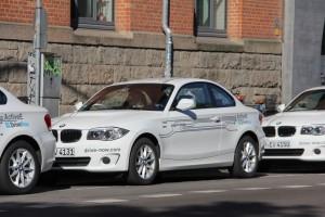 DriveNow bietet das Carsharing ab sofort auch in Hamburg und tritt damit in Konkurrenz zu Car2Go.