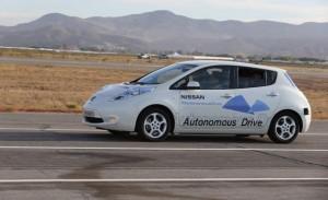 Gehört dem selbstfahrenden Elektroauto die Zukunft? Projekte wie Nissan Autonomous Drive könnten irgendwann das Selberfahren überflüssig machen.