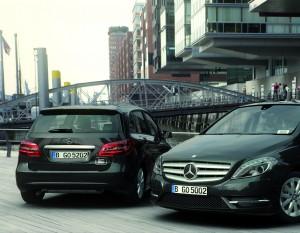 Car2Go baut sein Carsharing -Angebot aus. Ab sofort stehen in Hamburg und Berlin auch Fahrzeuge aus der Mercedes-Benz B-Klasse bereit.