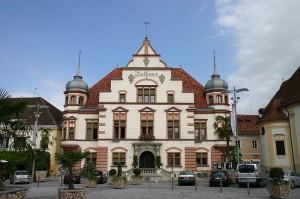 Ausweitung in die Provinz: das kommunale Carsharing mit dem Elektroauto erreicht nun auch die Steiermark, genauer gesagt die Gemeinde Hartberg
