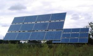 Neues Carsharing -Projekt: in Aachen wird eine Photovoltaik-Anlage auch zum Auftanken eines Elektroautos genutzt.