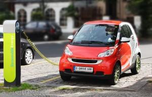 """Das Elektroauto im Aufschwung. Mittlerweile können sich 63 Prozent der Deutschen den Kauf eines """"Stromers"""" vorstellen."""