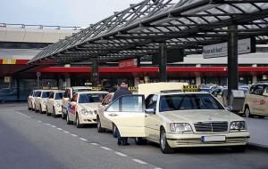 Taxifahrer gegen das Carsharing und Mitfahrdienste. Am 11. Juni 2014 soll im Rahmen eines Aktionstages gegen die neue Konkurrenz demonstriert werden.