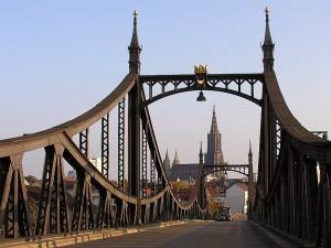 Carsharing in Ulm geht weiter: die Parkplätze von Car2Go sollen vom Anbieter Confishare übernommen werden