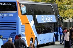 Fernbus auf dem Vormarsch. Schätzungen sehen schon bald ein Potenzial von jährlich 25 Millionen Reisenden.