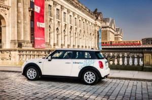 Frischer Wind für die Fahrzeugflotte: DriveNow setzt auf den neuen Mini, der ab sofort an allen Standorten bereitsteht.