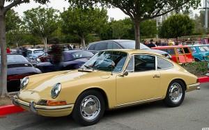 Im Trend: verschiedene Anbieter beweisen, dass Carsharing auch mit alten Autos bzw. Oldtimern funktioniert.