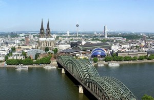 Bald kein Fernbus mehr in der Kölner Innenstadt? Der Busbahnhof in der Domstadt soll offensichtlich an den Stadtrand verlegt werden.
